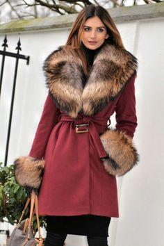 Long Fur Coat, Fox Fur Jacket, Barbie Gowns, Cashmere Coat, Fur Fashion, Fur Collars, Winter Wear, Fur Trim, Mantel