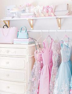 Feminine soft, feminine blog, feminine style, off the shoulder, romantic style, feminine outfits, girly outfits, wardrobe, wardrobe goals