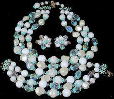 VENDOME Amazing Pearlesque & Green Necklace, Bracelet, Earring Set  mommylovesmichaela