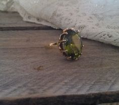 Antique 10k Gold & Peridot Ring Size 7 1/2 by bettyrayvintage