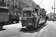 The tram, along Passeig Colón. Valencia, Barcelona City, Light Rail, Classic Trucks, Granada, Transportation, Pictures, Busses, Libra
