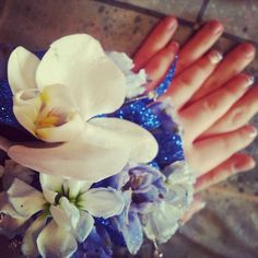 Also another beautiful picture of my #corsage! With my boyfriend hand too(: #prom #prom2013 #blue #white #sparkle #love ♥