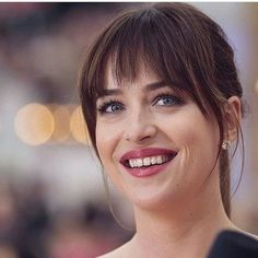 Grace Fantasy Hair false clip in bangs straight hair with temple dark brown natural look virgin brazilian human hair in stock at cheap price for women Estilo Dakota Johnson, Dakota Johnson Style, Hairstyles With Bangs, Straight Hairstyles, Hair Inspo, Hair Inspiration, Long Hair With Bangs, Short Bangs, Hair Looks