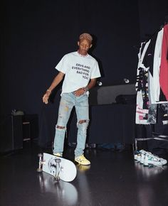 red table talk (no text) Jaden Smith Fashion, Rapper Wallpaper Iphone, Lead By Example, Handsome Black Men, Slogan Tee, Kpop, Streetwear Fashion, Role Models, Outfit Of The Day