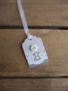 White Paper Lace and Button Wedding Gift Tag Set by SnowNoseCrafts Creative Gift Wrapping, Creative Gifts, Wrapping Ideas, Plan My Wedding, Wedding Ideas, Wedding Trends, Vintage Paper Crafts, Paper Lace Doilies, Button Moon