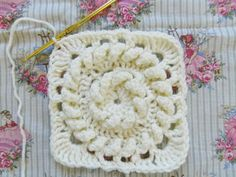 Fishermans Ring step-by-step tutorial by Mererly. Pattern here http://web.archive.org/web/20050227011235/http://hometown.aol.com/lffunt/fisher.htm
