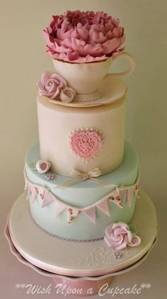 Vintage style cake with teacup, peony and bunting - Wish upon a cupcake