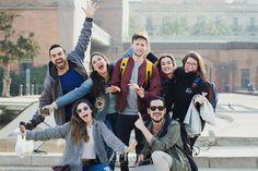 Sesión de fotos de retrato de un grupo de amigos en el parque de la ciudadela de Barcelona friends shooting in barcelona | retrat, portrait, hospitalet, Gala Martinez, 274km, recuerdo, record, remember, exterior, urbana, urban, city, ciudad, friends, blanco y negro, blanc i negre, black & white