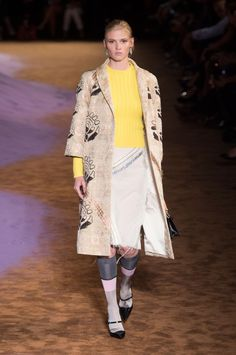 Défilé Prada, prêt-à-porter printemps-été 2015, Milan. #MFW #Fashionweek #runway