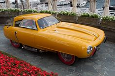 Post with 77 votes and 2343 views. Fancy Cars, Retro Cars, Vintage Cars, Strange Cars, Automobile, Yellow Car, Diecast Model Cars, Small Cars, Car Humor