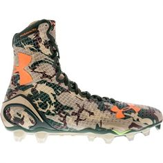 Sneaky and Lethal - The Under Armour Highlight MC Men& Camo Football Cleats Best Football Shoes, Custom Football Cleats, American Football Cleats, Ua Football, Nike Football Boots, Football Outfits, Soccer Cleats, High Top Football Cleats, Football Clothing