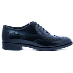 Tod's Black Gommino Wingtip Patent Leather Brogues (£280) ❤ liked on Polyvore featuring shoes, oxfords, black lace up shoes, black shoes, black wingtip shoes, lace up oxfords and black patent leather oxfords