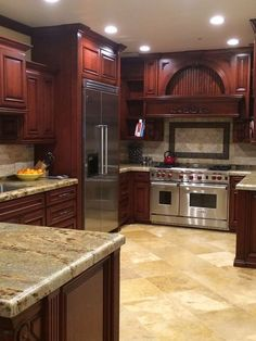 The Surprising Details Into Beautiful Kitchens with Dark Kitchen Cabinets That Some People Don't Know About - homebaiti Cherry Wood Kitchen Cabinets, Cherry Wood Kitchens, Kitchen Cabinet Colors, Painting Kitchen Cabinets, Dark Cabinets, Black Kitchens, Kitchen Cupboards, Rustic Kitchen, New Kitchen