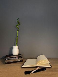 Scrisul în jurnal este cool? | #gânduriașternutepeohârtie |Amarculesei Diana Clear Your Mind, Mind Power, Diana, Writing, Cool Stuff, Journaling, Blog, Caro Diario, Blogging