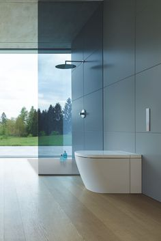 Duravit and Philippe Starck present SensoWash® Starck f, a new shower-toilet generation for state-of-the-art, natural toilet hygiene. Philippe Starck, Bathroom Furniture Design, Bathroom Interior Design, Duravit, Touchless Faucet, Modern Luxury Bathroom, Wc Sitz, Closet Rod, Hygiene
