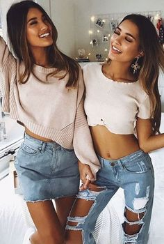 Blush and denim! Cute Summer Outfits, Casual Outfits, Cute Outfits, Fashion Outfits, Best Friend Outfits, Cooler Look, Look Casual, Cute Skirts, Fashion Images