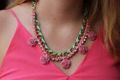 DIY Necklace  : DIY: Sparkly Blossom Necklace