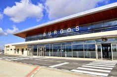 18 pasajeros al día en enero y menos de 2000 en el mes de marzo, estas son las cifras con las que cuenta actualmente el aeropuerto de Burgos, muy lejos de las que se daban el Ayuntamiento y el Ministerio de Fomento en su inaguración (2008).Costó unos 45 M de €, sin contar la torre de control. Se esperaban más de 100.000 pasajeros todos los años. Sin embargo, en su mejor año no superó los 35.000, cifra que va a peor año tras año. BURGOS