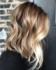 Golden Blonde Balayage for Straight Hair - Honey Blonde Hair Inspiration - The Trending Hairstyle Honey Blonde Hair, Blonde Hair With Highlights, Hair Color Balayage, Balayage Hair How To, Blonde With Brown Lowlights, Blonde Balayage Bob, Honey Balayage, Blonde Hair Looks, Brown Balayage