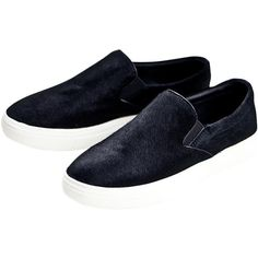 Blackfive Round Toe Slip On Loafers (37 CAD) ❤ liked on Polyvore featuring shoes, loafers, blackfive, flats, zapatillas, black, black loafer flats, black slip-on shoes, flat shoes and slip on loafer