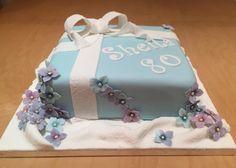 Elliegantly Made for an 80th birthday #hydangea #cake #elliegantlymade #flower