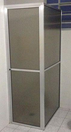 O box do banheiro está com manchas esbranquiçadas? Aprenda a limpá-lo aqui no Portal BBel.