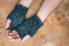 Wabi Mitts (free knit pattern from Fringe Association)