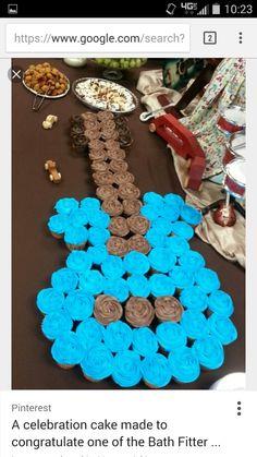 christmas first birthday Guitar Cupcakes, Guitar Cake, Guitar Birthday Cakes, Rockstar Birthday, Pull Apart Cupcakes, Celebration Cakes, No Bake Desserts, Easy Peasy, How To Make Cake