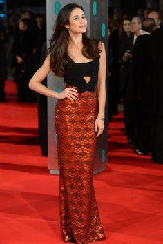 Un look de 10 para Olga Kurylenko de Burberry en la alfombra roja de los BAFTA