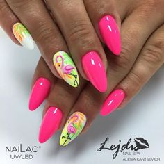 There are a variety of unique nail art designs. Flamingo nail design seems to be the best trend in the current season. Flamingos on white or pink backgrounds are great nail art designs. Of course, Flamingo Nail design is not limited to this, nail art Neon Nails, Pink Nails, My Nails, Pastel Nails, Pink Nail Art, Cool Nail Art, Nail Art Rose, Cute Nails, Pretty Nails