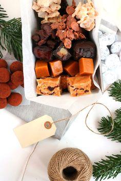 6-laekre-og-nemme-konfektopskrifter Homemade Candies, Christmas Inspiration, Toffee, Christmas 2019, Christmas Cookies, Granola, Brunch, Fondant, Food And Drink