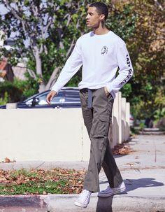 Cargo Pants Outfit Men, Black Men Street Fashion, Denim Shirt Men, Fashion Pants, Boy Fashion, Fall Fashion, Mens Fashion, Fashion Outfits, Outfits
