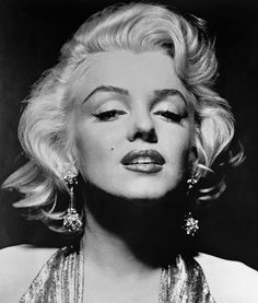 Marilyn Monroe - World's Most Famous Blonde ever! #marilynmonroe #platinum #platimumblonde #blonde #celebrity