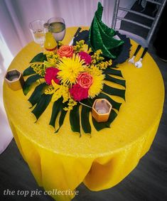 I couldn't go to Jamaica for my birthday so I brought Jamaica to me. This was a small covid setup for just 10 people!  Diy Party Decorations, Birthday Decorations, Birthday Ideas, Dinner Themes, Party Themes, Party Ideas, Jamaican Party, Birthday Straws, Cruise Party