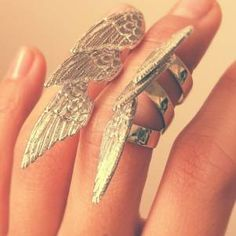 delicate wing ring <3