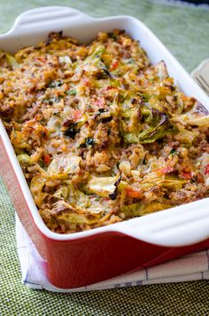 Unstuffed Cabbage Casserole is a lazy mom's recipe. It doesn't take even the half time of stuffed cabbage rolls but it is as scrumptious. You won't bother making cabbage rolls any more once you try this recipe. Beef Recipes, Cooking Recipes, Healthy Recipes, One Pot Meals, Main Meals, Casserole Dishes, Casserole Recipes, Casserole Pan, Lentil Casserole