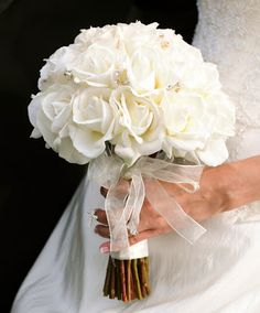 White Roses Wedding Bouquet.  http://memorablewedding.blogspot.com/2013/12/romantic-and-magical-winter-vintage.html