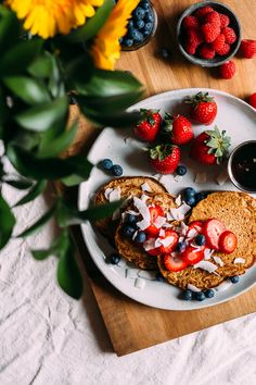 Pancakes w/ Berries & Coconut + Pure Green Magazine | Faring Well | #vegan #recipe