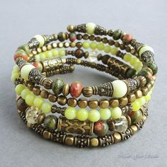 Gemme vert jaune laiton Antique mémoire fil Bracelet perlé, Unakite, Citrine, Peridot Jasper, enveloppante, gitan Boho,