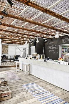25 Innovative Pergola Ideas Blending Comfort and Beauty to your Outdoor Space! - Mukti - 25 Innovative Pergola Ideas Blending Comfort and Beauty to your Outdoor Space! 25 Innovative Pergola Ideas Blending Comfort and Beauty to your Outdoor Space! Cafe Restaurant, Beach Restaurant Design, Restaurant Interiors, Luxury Restaurant, Beach Club, Exterior Design, Interior And Exterior, Café Bar, Pergola Designs