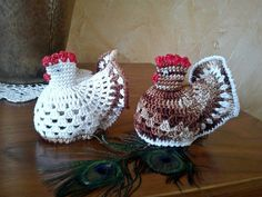 pl 020 441 na-strone-www. Crochet Chicken, Easter Crochet, Paste, Diy And Crafts, Crochet Hats, Christmas Ornaments, Holiday Decor, Handmade, Crocheting