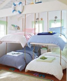 Kids bedroom, bunk beds with ropes