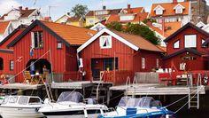 Sjöbodssommar på västkusten - Boathouse summer on the west coast Scandinavian Architecture, Boathouse, Coastal Living, West Coast, Denmark, Seaside, Vacations, Cabin, Dreams