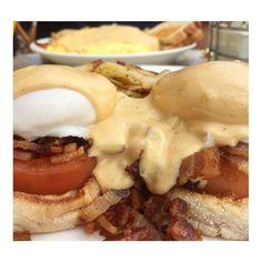 My favorite color is bacon.  thank you @hella_hangry #sanfrancisco #california #tomato #baconbenny #baconislife #misseggsbenedict #misseggsbenny #eggsbenny #benedictbitch #hollandaise #hollandaisesauce #bacon #ham #eggs #poached #breakfast #englishmuffin #morehollandaiseplease #eggsbenedict #goodmorning #queenofbenedict by queenofbenedict