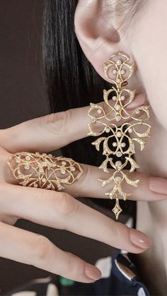 Ear Jewelry, Cute Jewelry, Jewelry Sets, Wedding Jewelry, Gold Jewelry, Jewelery, Jewelry Accessories, Jewelry Necklaces, Gold Bangles Design