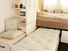 guest bed options for small spaces - modern interior paint colors Check more at http://grobyk.com/guest-bed-options-for-small-spaces-modern-interior-paint-colors/