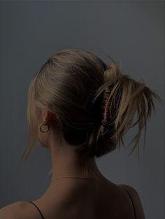 Messy Hairstyles, Pretty Hairstyles, Aesthetic Hair, Good Hair Day, Dream Hair, Hair Looks, Hair Inspiration, Blond, Hair Clips