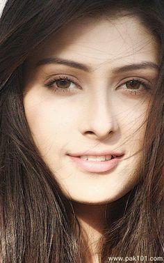 Simple look of Ayeza's❤️ Most Beautiful Faces, Beautiful Eyes, Beautiful Women, Beautiful People, Beautiful Pictures, Pakistani Actress, Bollywood Actress, Pakistani Dramas, Bollywood Celebrities