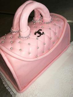 Táska forma torta