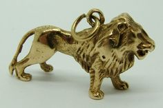 Large 1970's Solid 9ct Gold Lion Charm